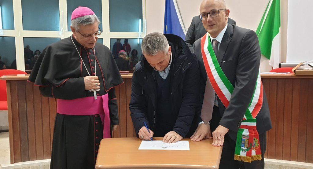 Miglierina, conferita la cittadinanza onoraria a don Pasquale Di Cello