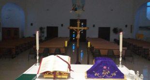 L'altare preparato per la messa